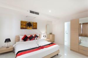 RE/MAX Top Properties Agency's PHUKET,KARON BEACH,CONDO 3 BEDROOMS,FOR SALE 25