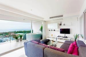RE/MAX Top Properties Agency's PHUKET,KARON BEACH,CONDO 3 BEDROOMS,FOR SALE 26
