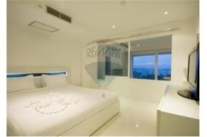 RE/MAX Top Properties Agency's PHUKET,KARON BEACH,CONDO 2 BEDROOMS,FOR SALE 3