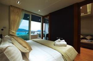 RE/MAX Top Properties Agency's PHUKET,KALIM BEACH,CONDO 2 BEDROOMS,FOR SALE 5
