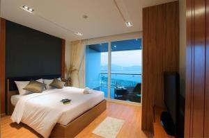 RE/MAX Top Properties Agency's PHUKET,KALIM BEACH,CONDO 2 BEDROOMS,FOR SALE 4