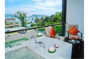 RE/MAX Top Properties Agency's PHUKET,KALIM BEACH,CONDO 1 BEDROOMS,FOR SALE 12