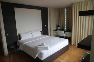 RE/MAX Top Properties Agency's PHUKET,KALIM BEACH,CONDO 2 BEDROOM,FOR SALE 16