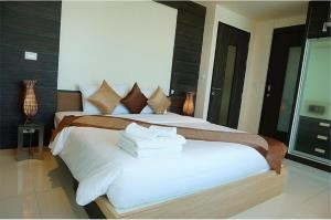 RE/MAX Top Properties Agency's PHUKET,KALIM BEACH,CONDO 2 BEDROOMS,FOR SALE 13