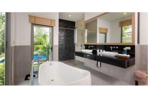 RE/MAX Top Properties Agency's PHUKET,LAGUNA BEACH,POOL VILLA 4 BEDROOS,FOR SALE 25