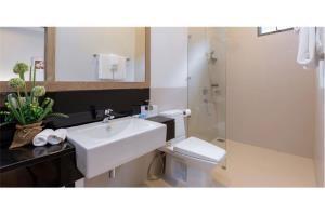 RE/MAX Top Properties Agency's PHUKET,LAGUNA BEACH,POOL VILLA 4 BEDROOS,FOR SALE 27