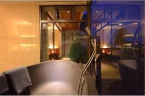 RE/MAX Top Properties Agency's PHUKET,RAWAI BEACH,CONDO 3 BEDROOMS,FOR RENT 12