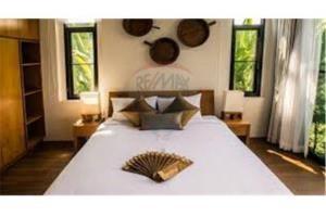 RE/MAX Top Properties Agency's PHUKET,RAWAI BEACH,POOL VILLA 1 BEDROOM,FOR RENT 25