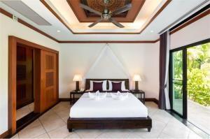 RE/MAX Top Properties Agency's PHUKET,RAWAI BEACH,POOL VILLA 3 BEDROOMS,FOR RENT 3