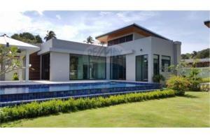 RE/MAX Top Properties Agency's PHUKET,RAWAI BEACH,POOL VILLA 1 BEDROOM,FOR RENT 11