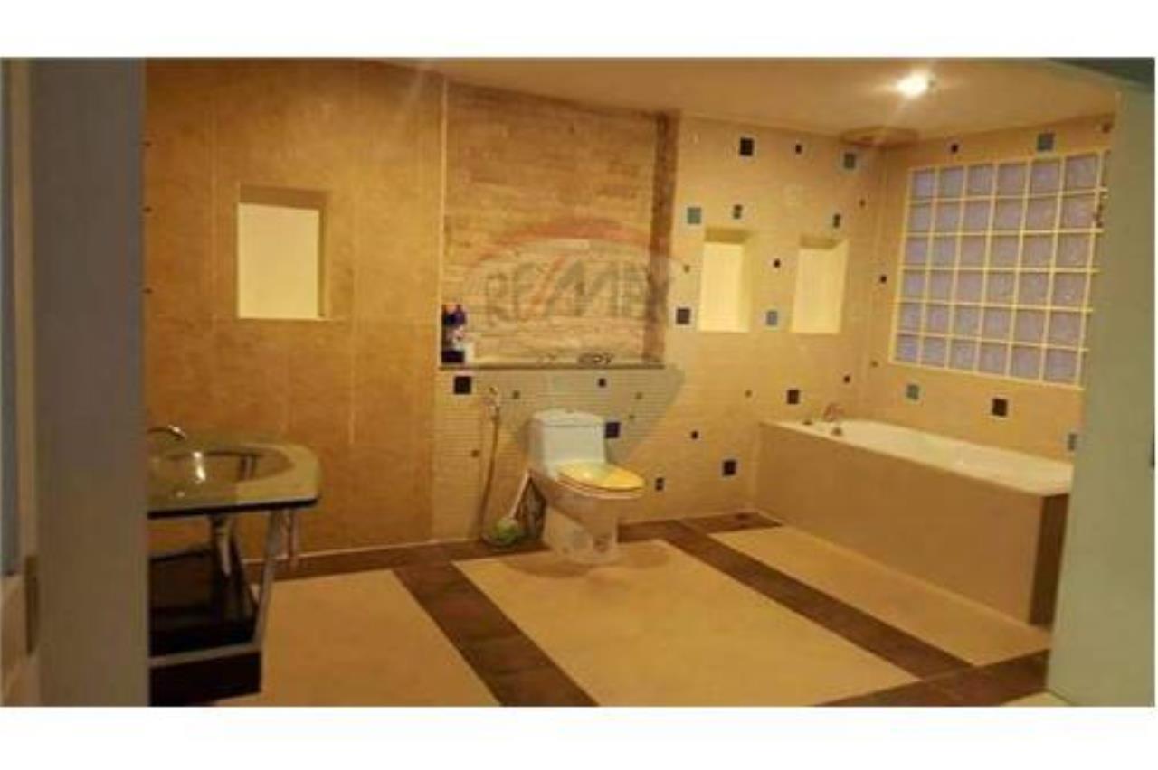 RE/MAX Top Properties Agency's PHUKET,PATONG BEACH,VILLA 4 BEDROOMS FOR RENT 6