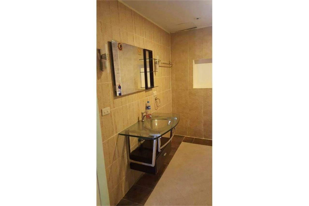 RE/MAX Top Properties Agency's PHUKET,PATONG BEACH,VILLA 4 BEDROOMS FOR RENT 18