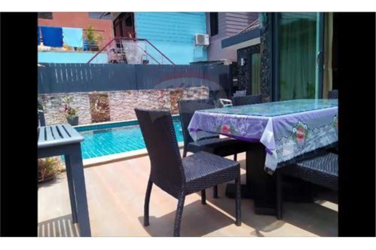 RE/MAX Top Properties Agency's PHUKET, PATONG BEACH, 4 BEDROOMS POOL VILLA FOR RENT 22
