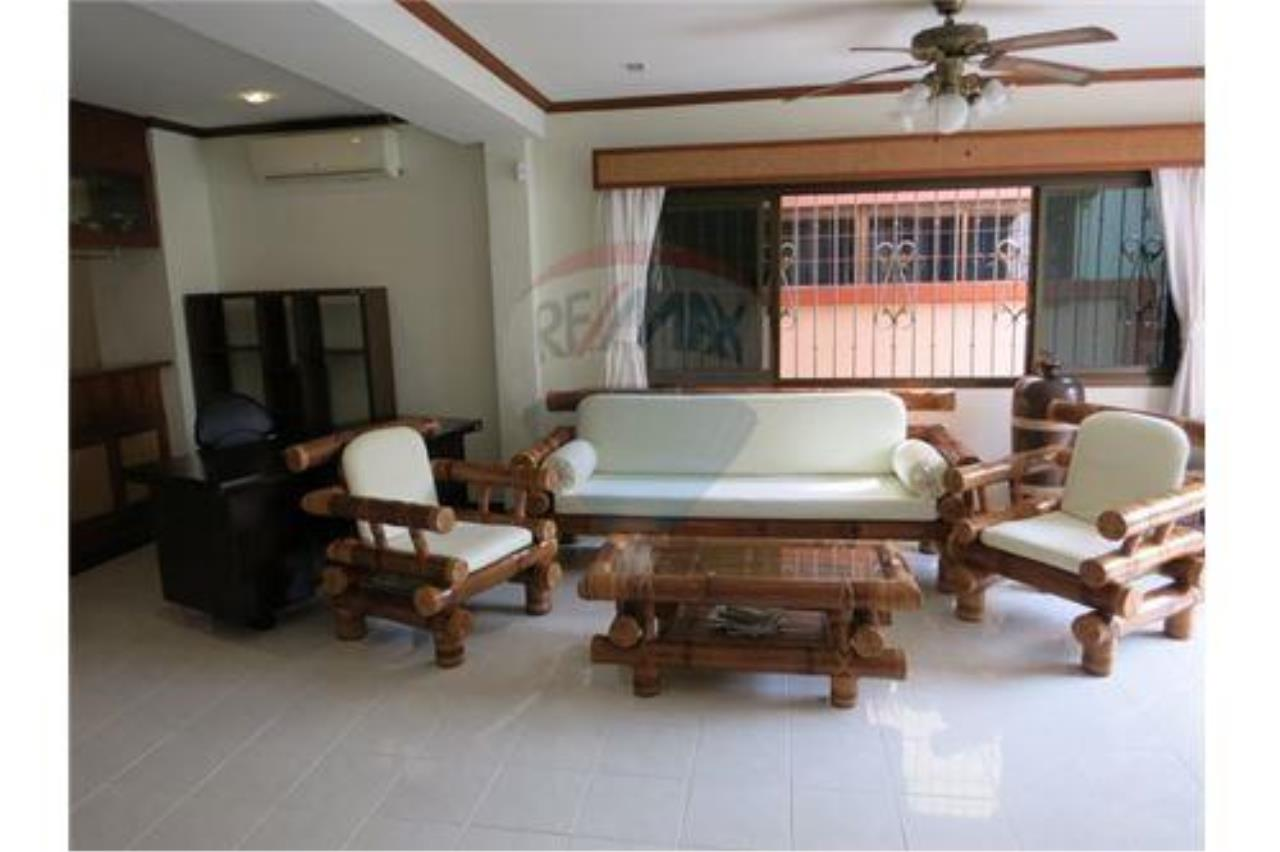 RE/MAX Top Properties Agency's Phuket, Patong Beach, House 3 Br for Sale 7