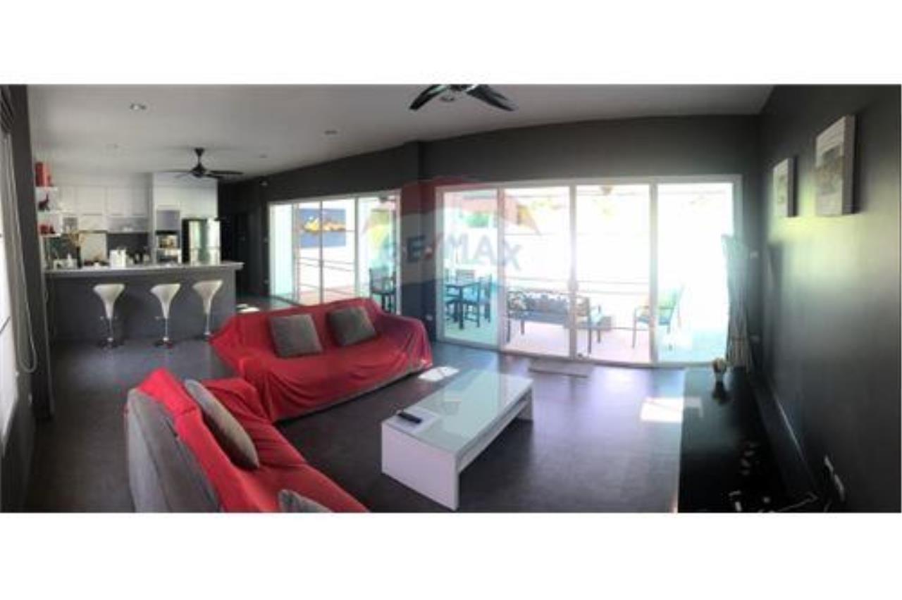 RE/MAX Top Properties Agency's Phuket, Rawai, Pool Villa 4 Bedrooms for Rent 6