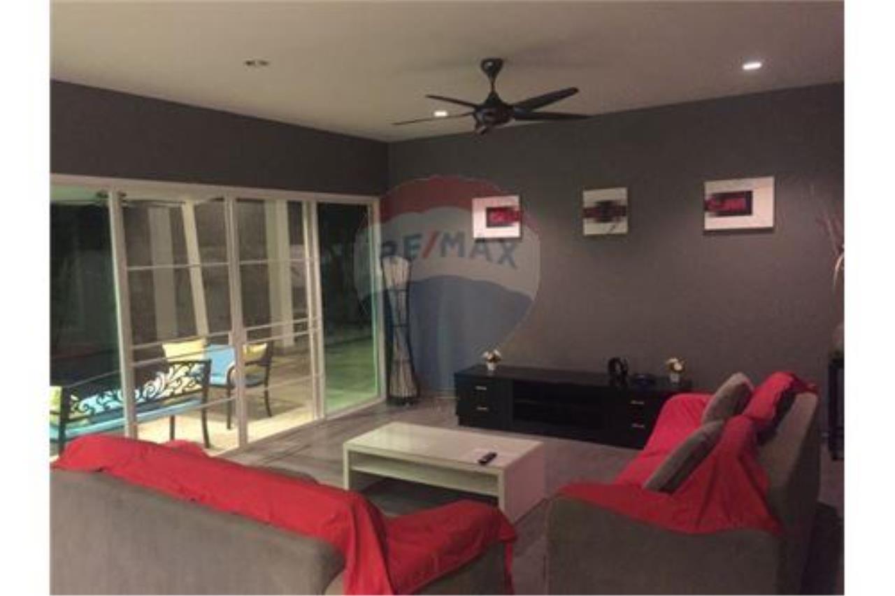 RE/MAX Top Properties Agency's Phuket, Rawai, Pool Villa 4 Bedrooms for Rent 7