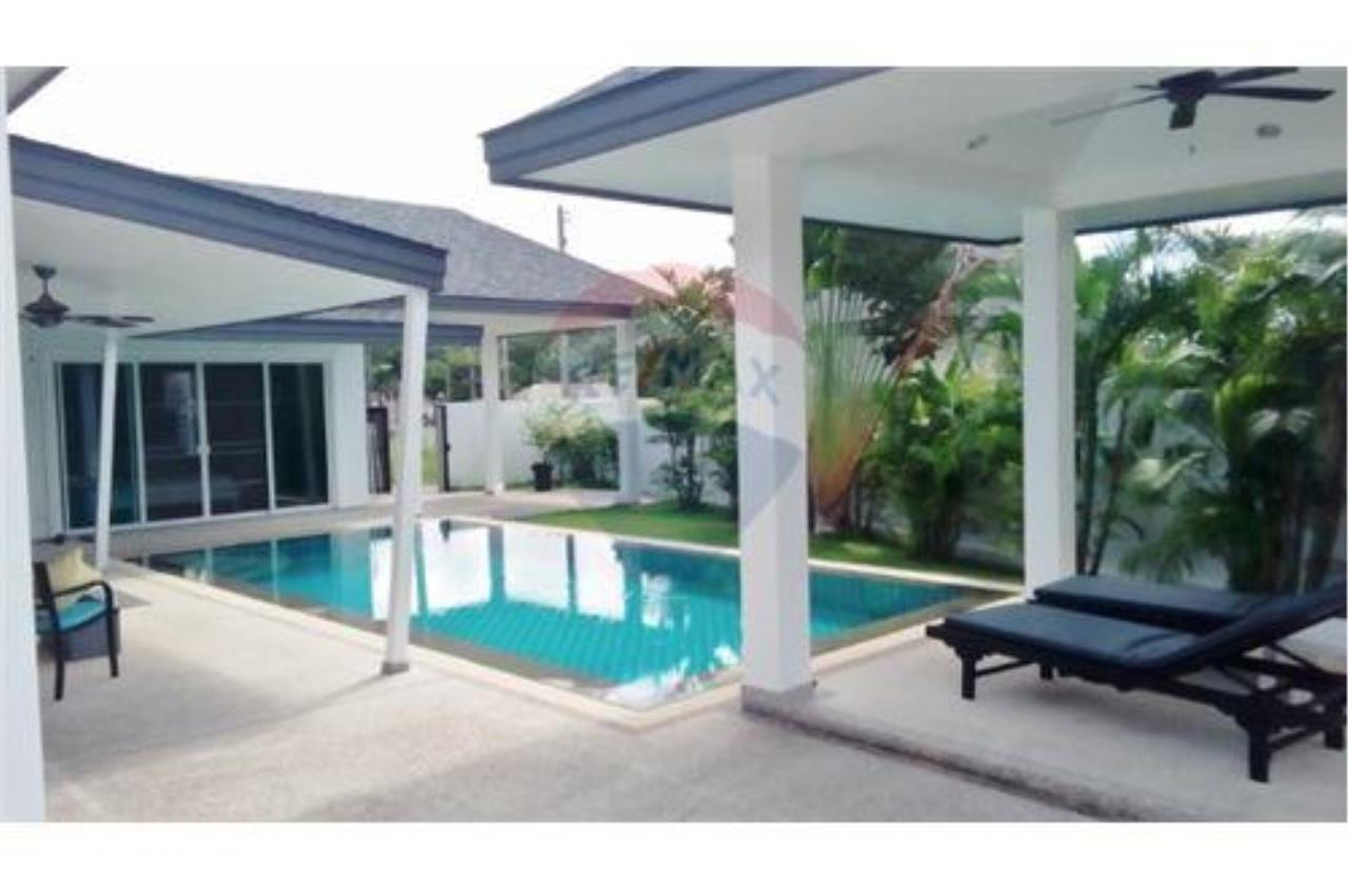 RE/MAX Top Properties Agency's Phuket, Rawai, Pool Villa 4 Bedrooms for Rent 2