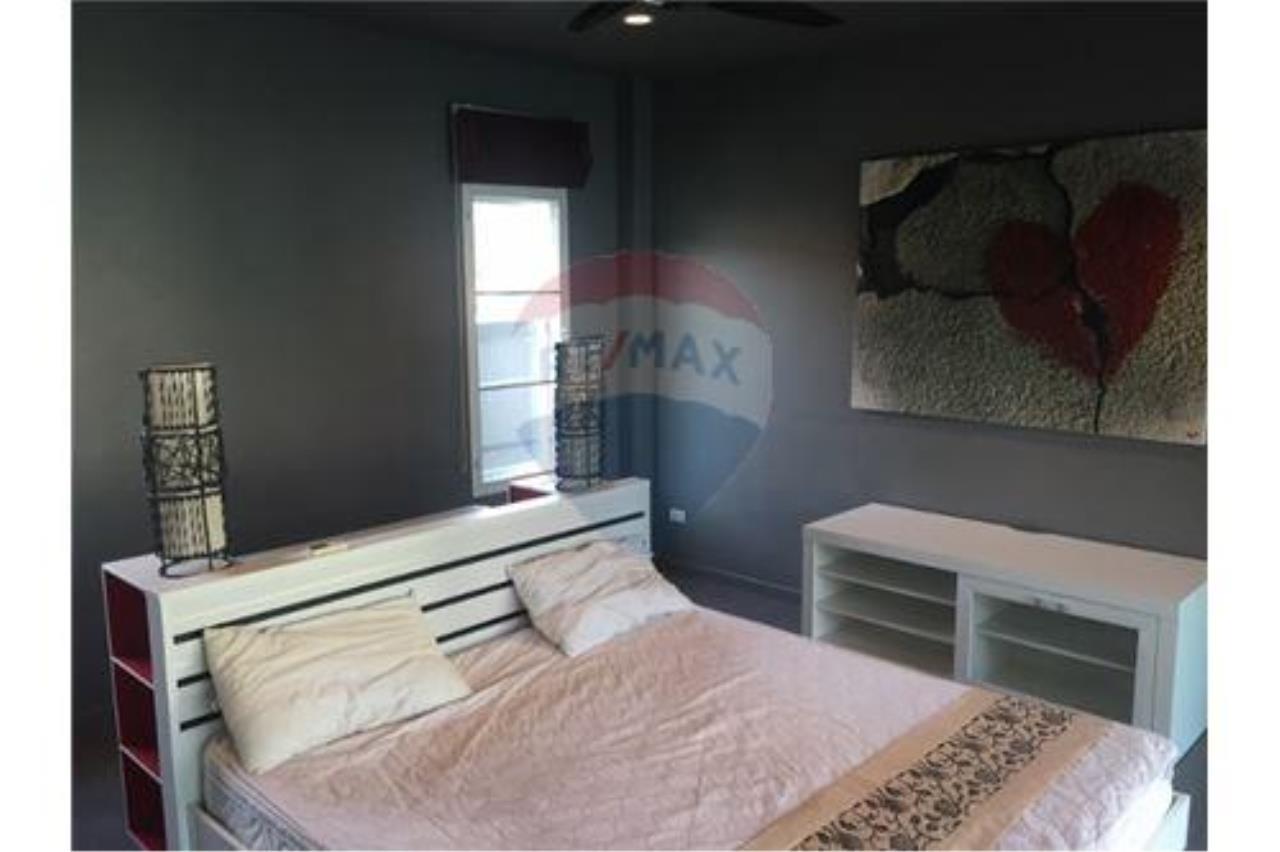 RE/MAX Top Properties Agency's Phuket, Rawai, Pool Villa 4 Bedrooms for Rent 9
