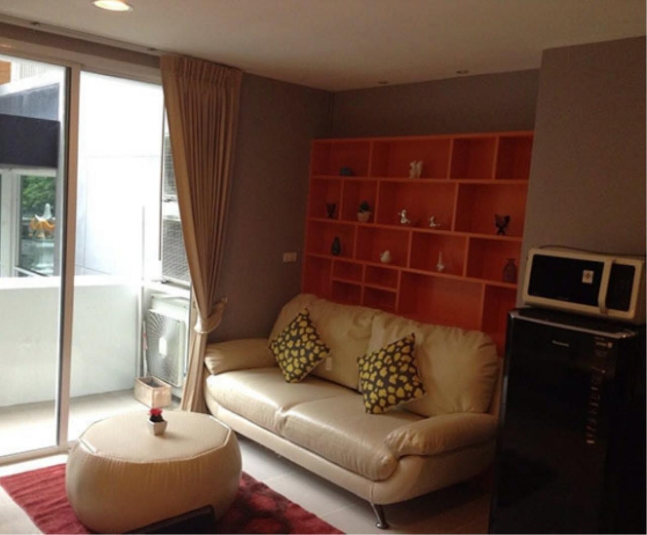 Bangkok Living Home Agency's D65 7