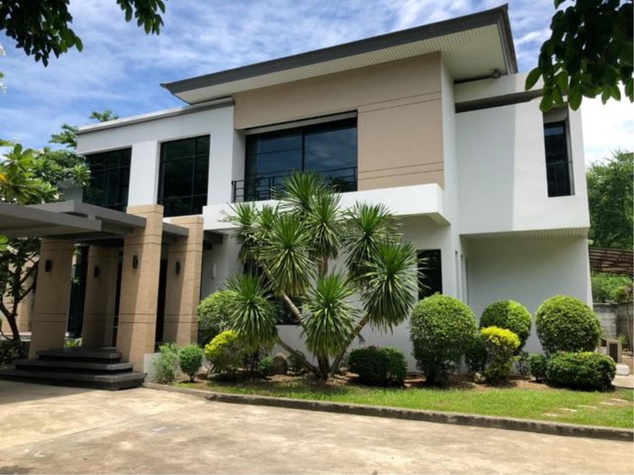 Tony Property Agency's House for Rent at Eakmai Rama9 and private swimming pool 6