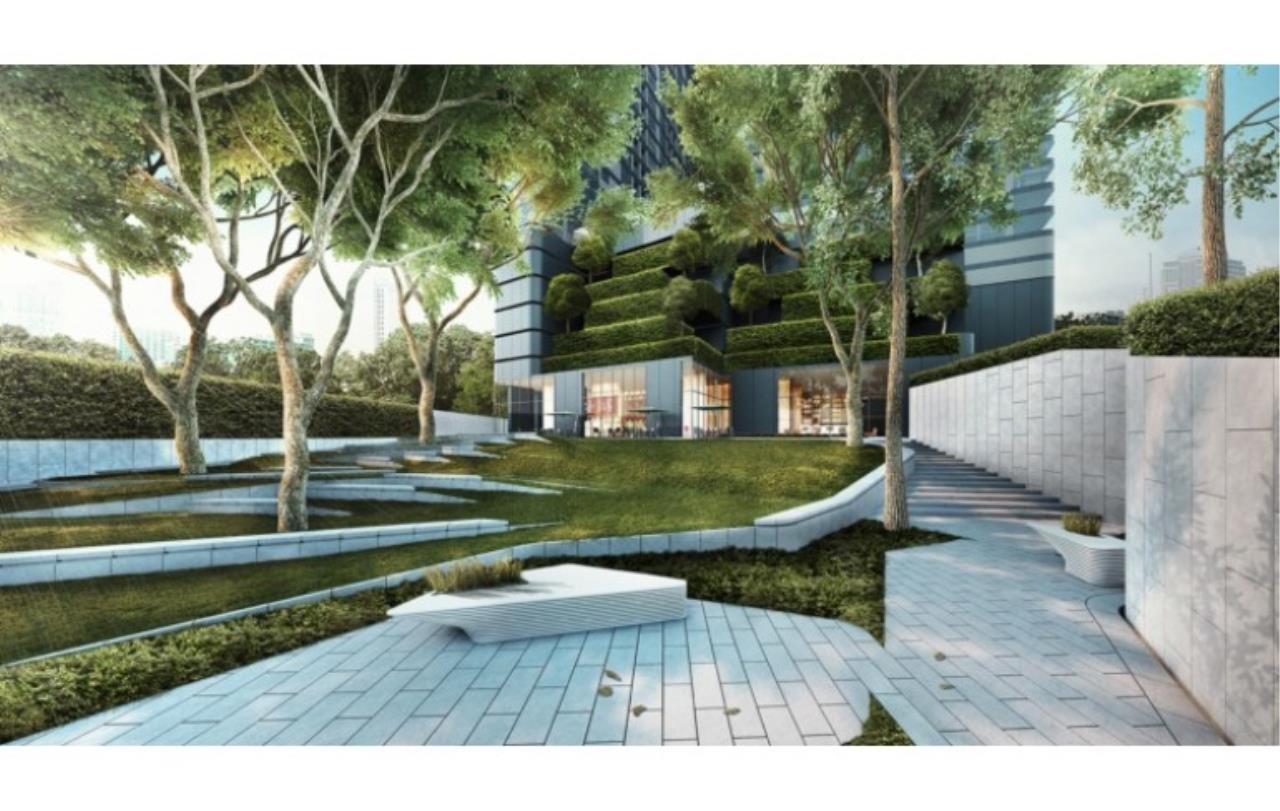 Success Square Agency's Ashton Chula - Silom 2