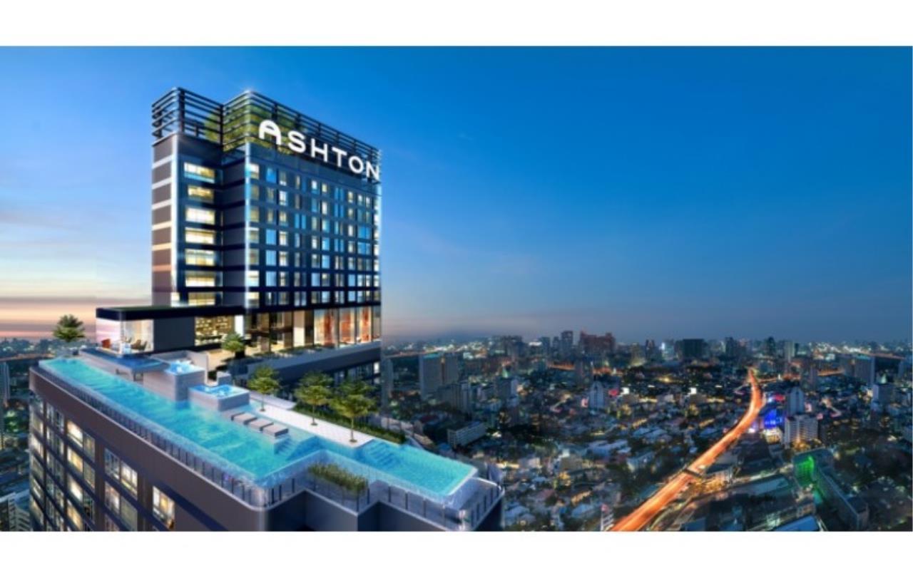 Success Square Agency's Ashton Chula - Silom 1