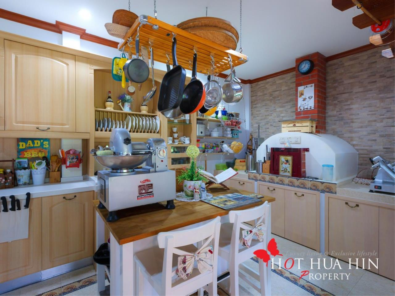 Hot Hua Hin Co. Ltd. Agency's Well Built Home With Stunning Gardens And Two Full Kitchens 44