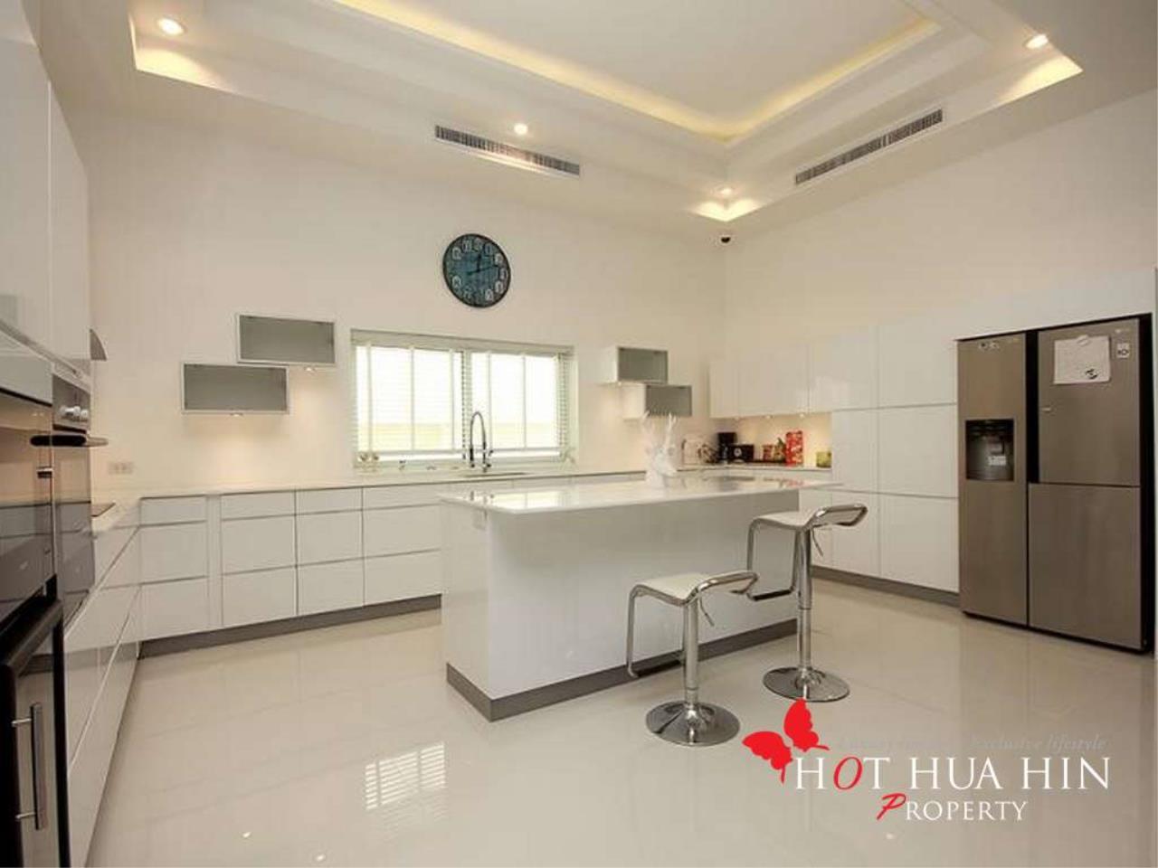 Hot Hua Hin Co. Ltd. Agency's New Luxury Smart Home In Popular Area 5