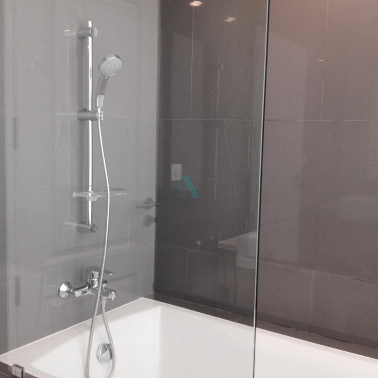NOPPON REAL ESTATE CO.,LTD.  Agency's For rent Noble Revo Silom 2 bedrooms 17th floor near BTS Surasak 7
