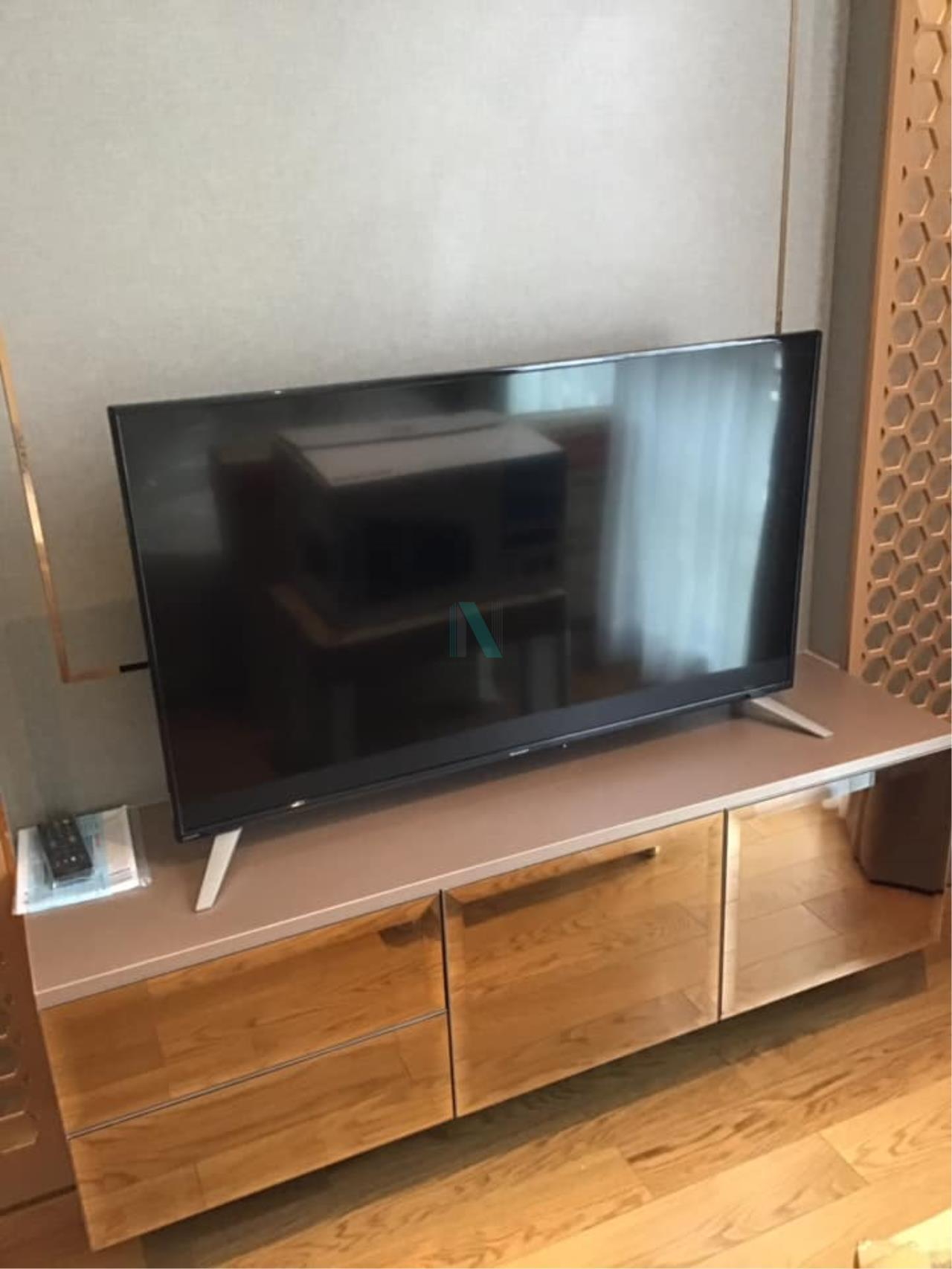 NOPPON REAL ESTATE CO.,LTD.  Agency's Altitude Define Condo for rent, new room size 32.5 sq.m., 1 bedroom, fully furnished, ready to move in, near MRT Sam Yan. 2