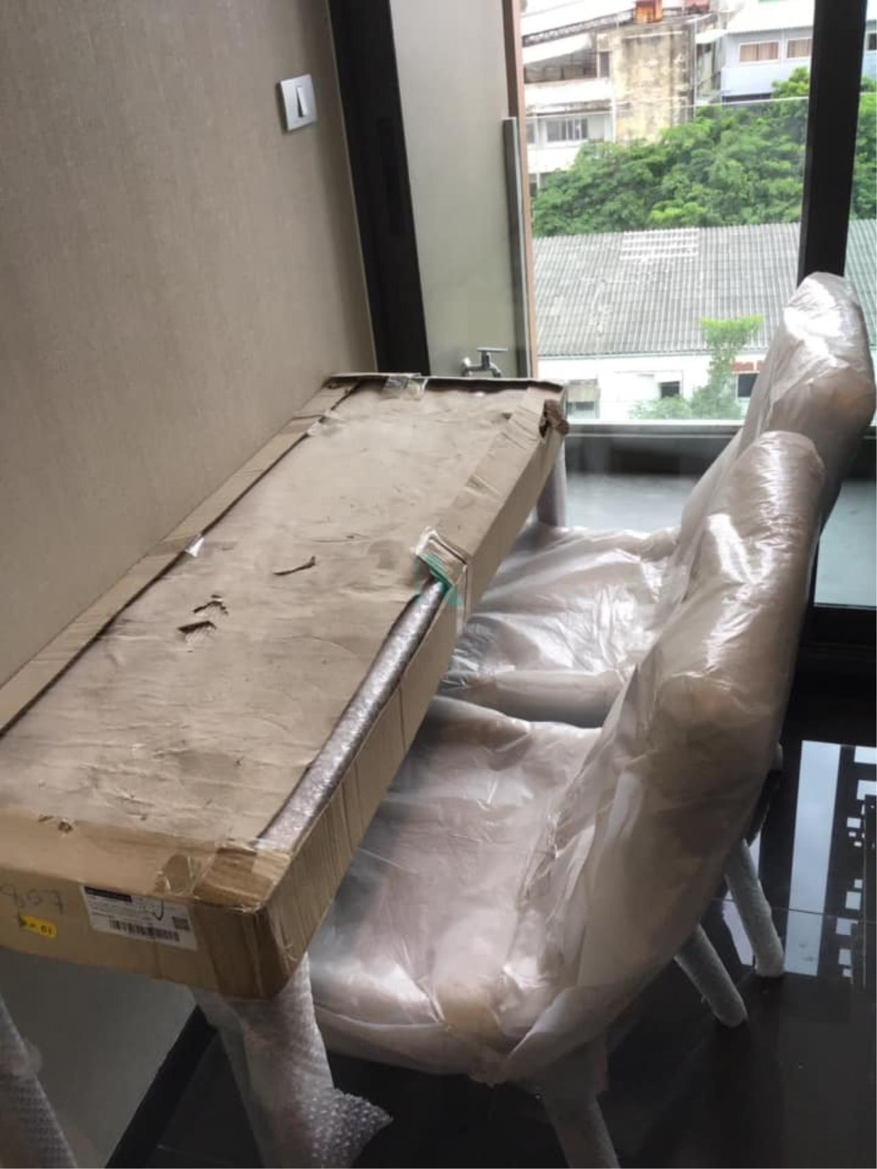 NOPPON REAL ESTATE CO.,LTD.  Agency's Altitude Define Condo for rent, new room size 32.5 sq.m., 1 bedroom, fully furnished, ready to move in, near MRT Sam Yan. 5
