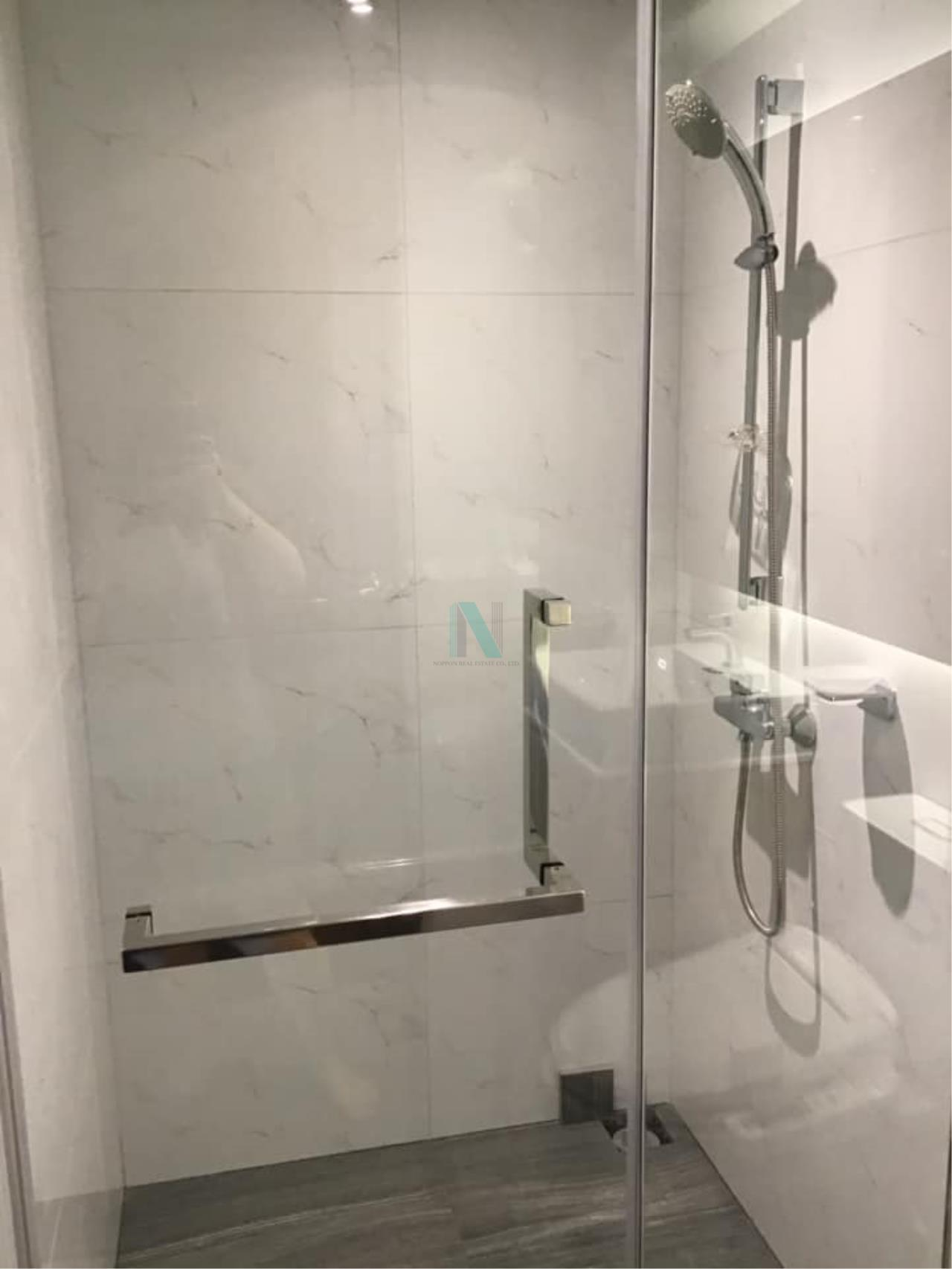 NOPPON REAL ESTATE CO.,LTD.  Agency's Altitude Define Condo for rent, new room size 32.5 sq.m., 1 bedroom, fully furnished, ready to move in, near MRT Sam Yan. 8