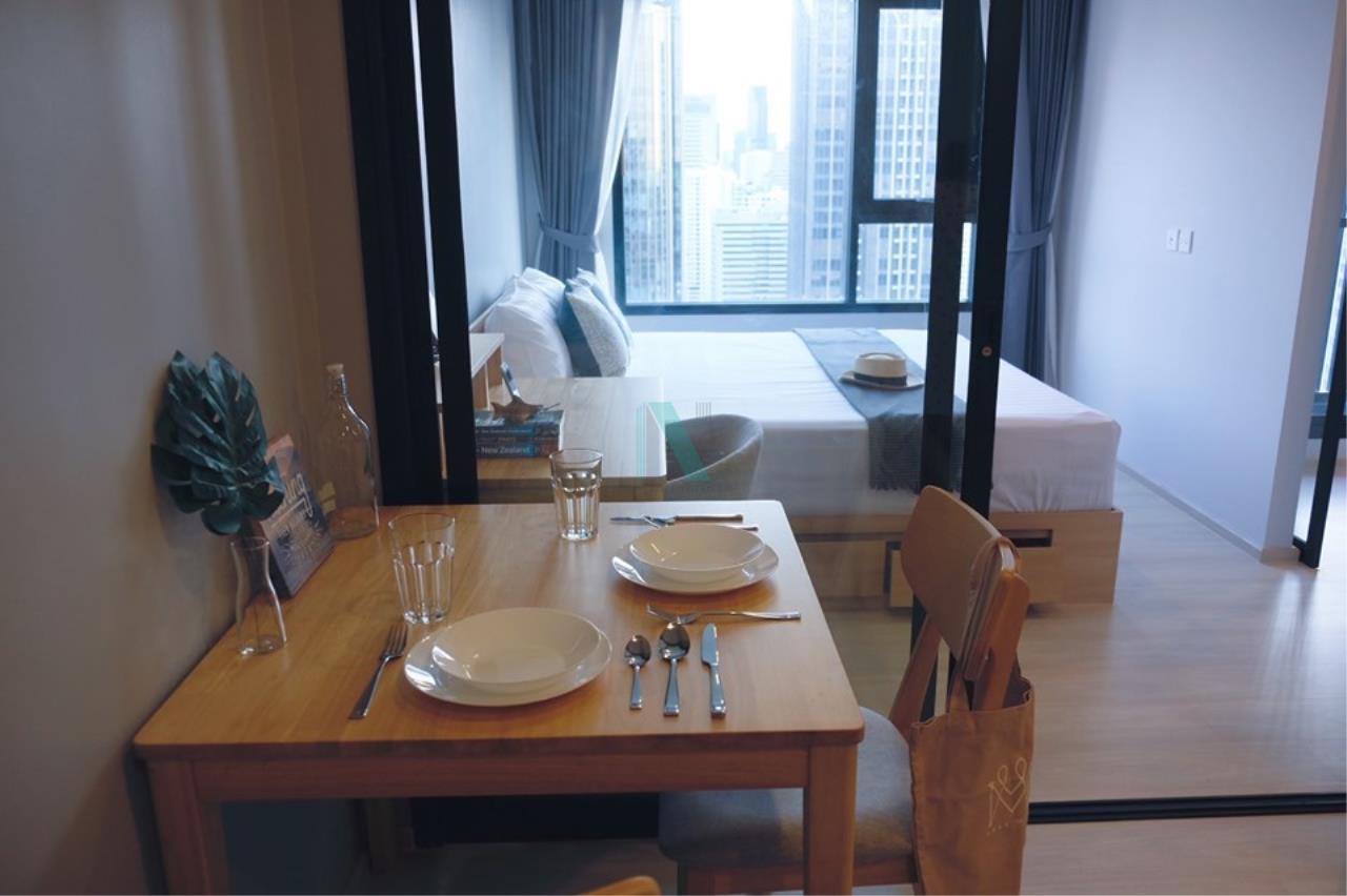 NOPPON REAL ESTATE CO.,LTD. Agency's For rent Life Asoke 1 Bedroom 32th floor near MRT Phetchaburi 6