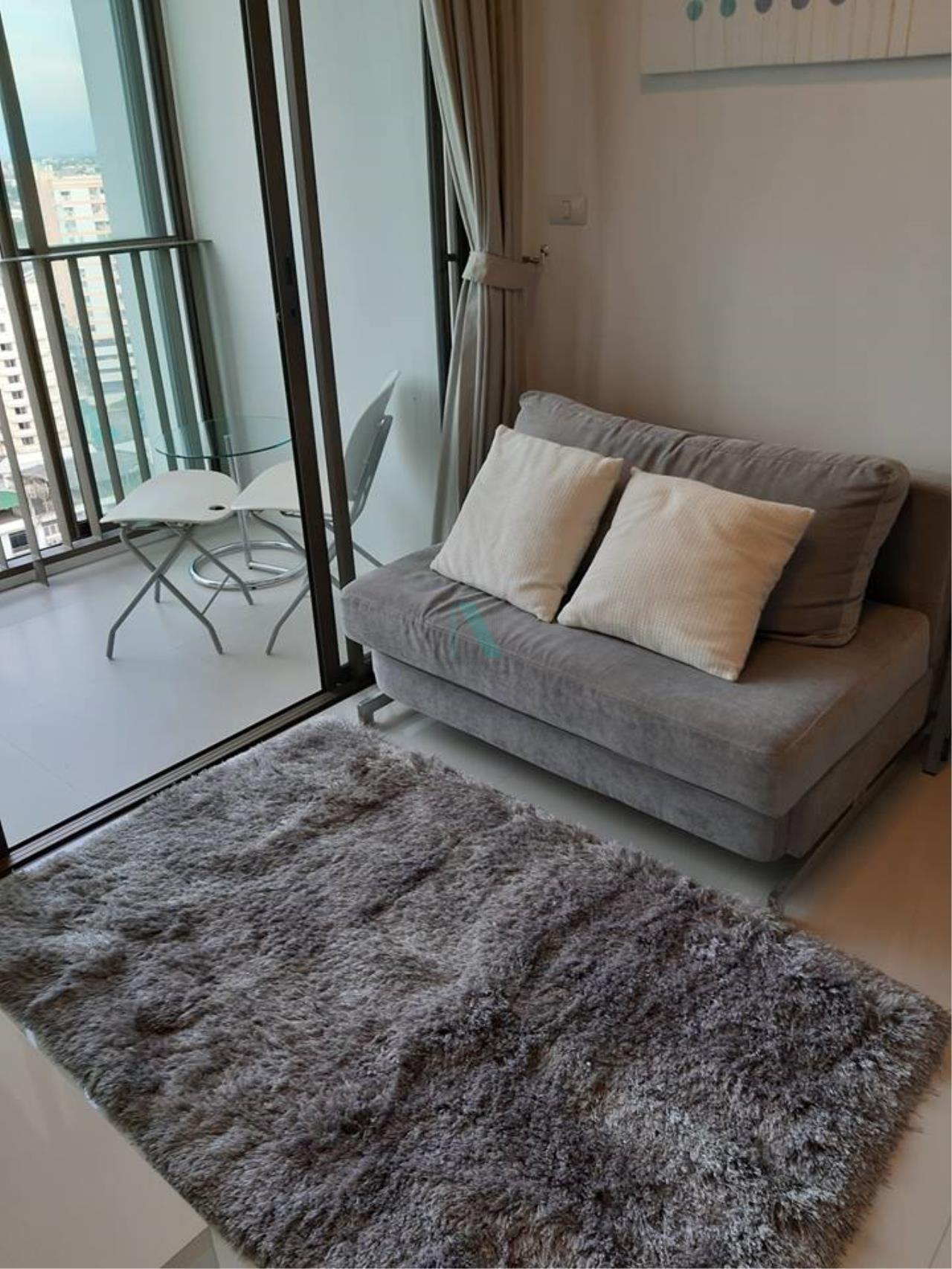 NOPPON REAL ESTATE CO.,LTD. Agency's For rent Ideo Mix Sukhumvit 103 1 bedroom 18th floor Building A   1