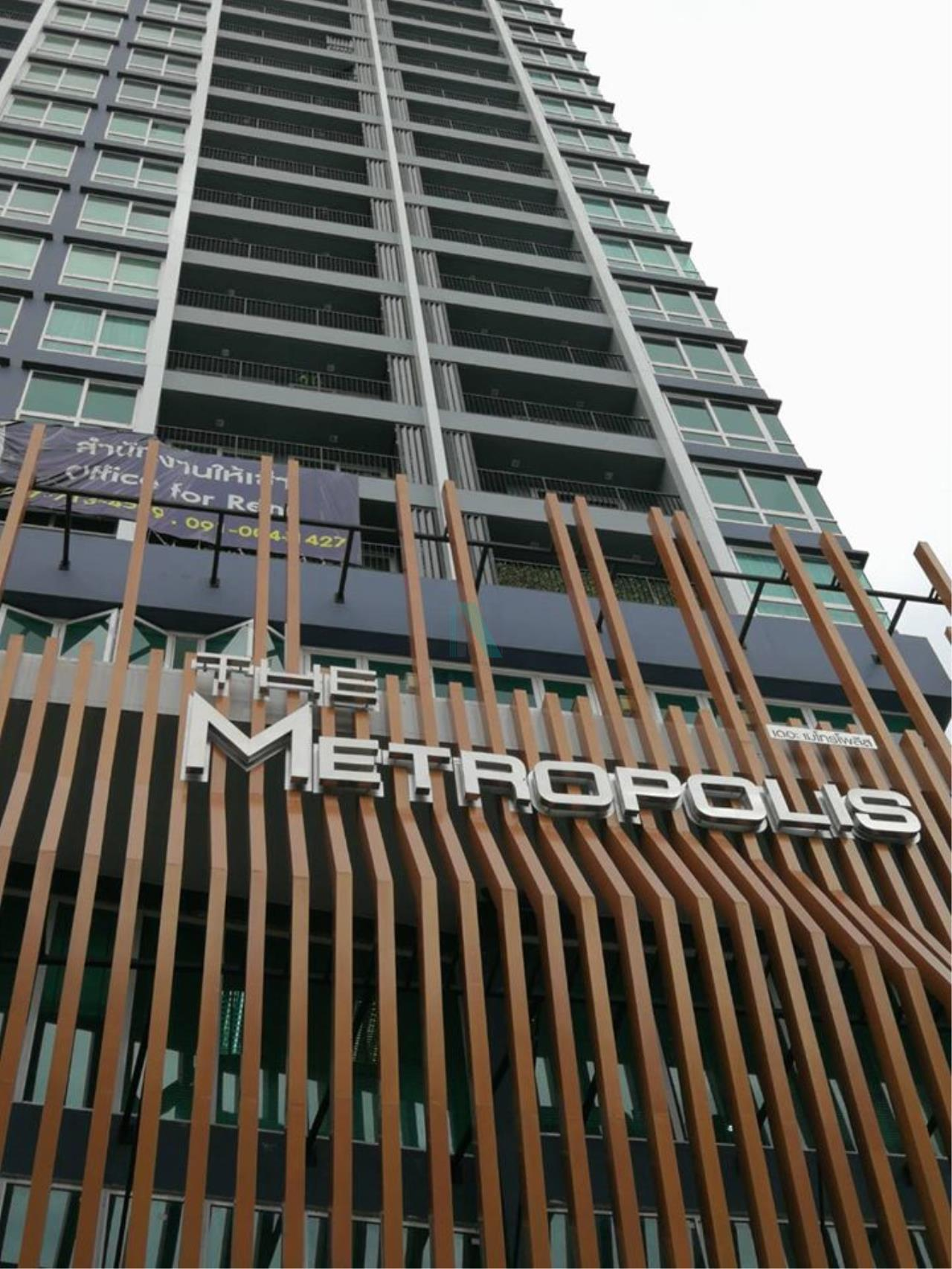 NOPPON REAL ESTATE CO.,LTD. Agency's For Rent The Metropolis Samrong Interchange 1 Bedroom 19th Floor Building A. 8