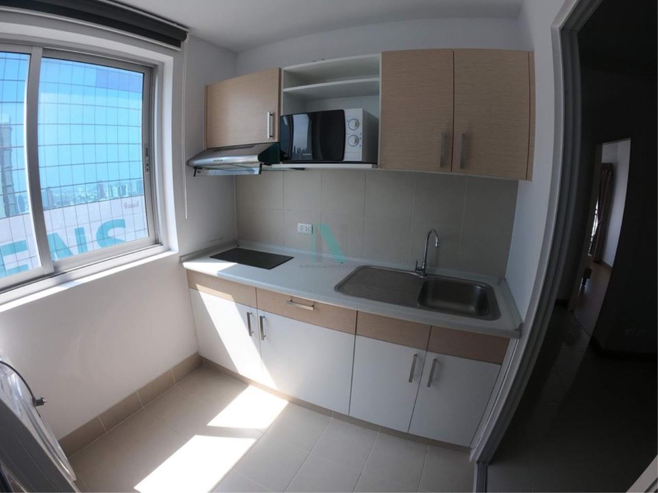 NOPPON REAL ESTATE CO.,LTD.  Agency's For Rent Supalai Park Ekkamai-Thonglor 2 bedrooms 40th floor. 5