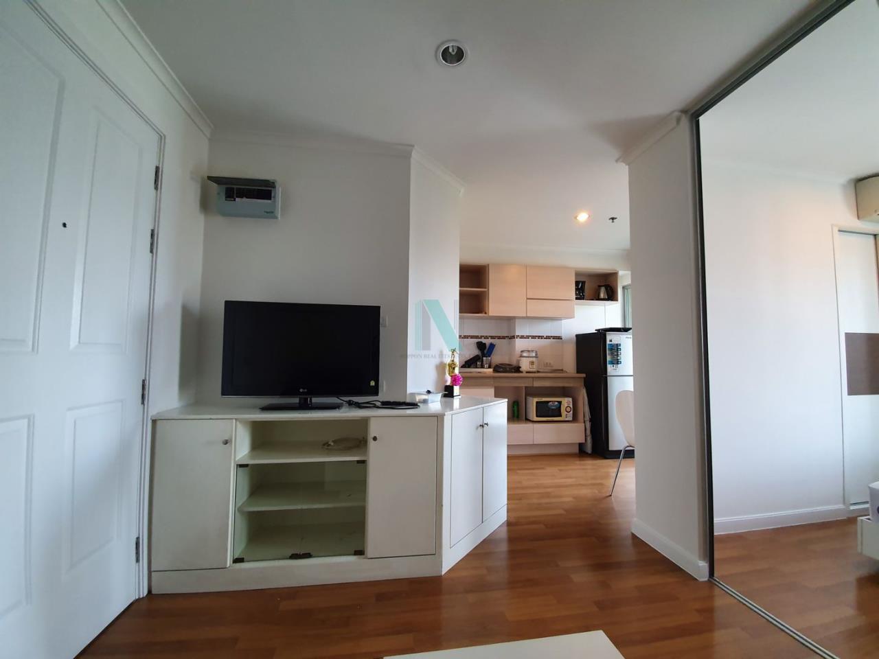 NOPPON REAL ESTATE CO.,LTD.  Agency's For rent Lumpini Place Rama 4 - Kluaynamthai 1 bedroom 24th floor near BTS Ekkamai. 4