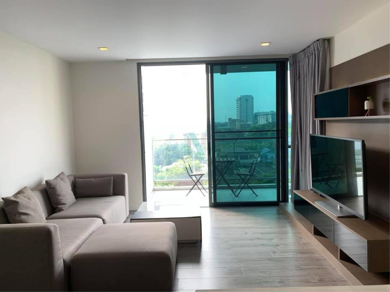 NOPPON REAL ESTATE CO.,LTD. Agency's For rent The Room Sukhumvit 40 2 bedrooms 7th floor near BTS Ekkamai. 1