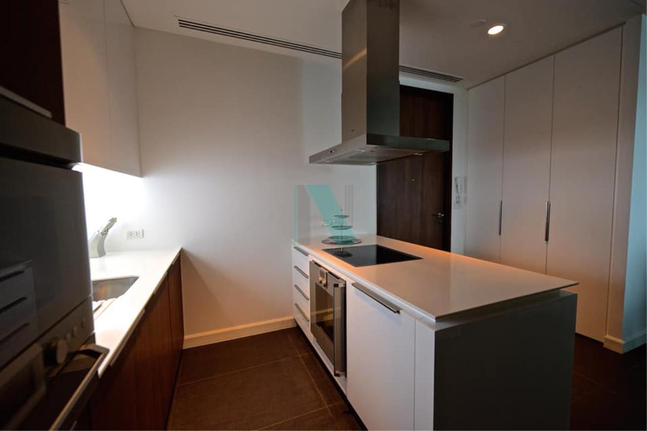 NOPPON REAL ESTATE CO.,LTD.  Agency's For rent 185 Rajadamri, 2 bedrooms, 19th floor, near BTS Ratchadamri. 5
