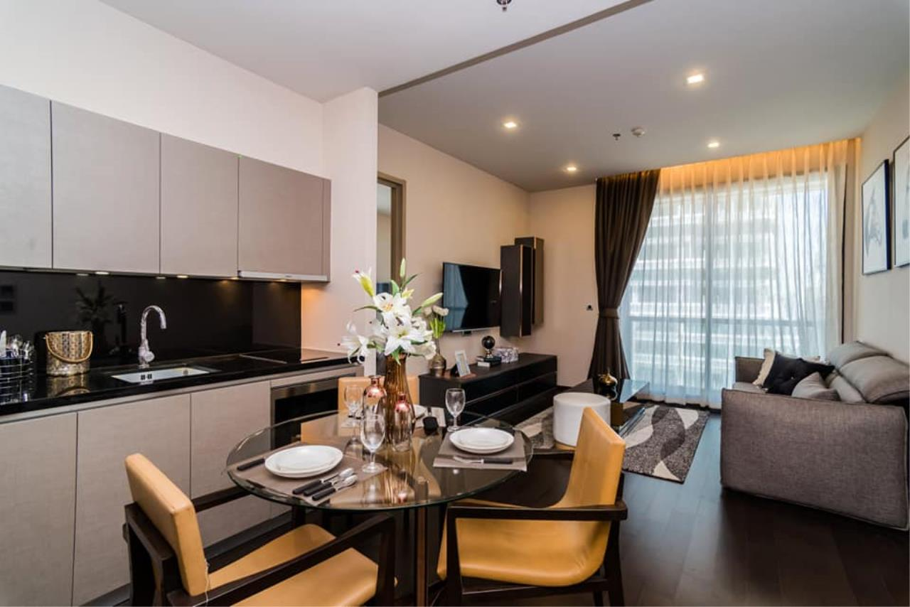 Agent Thawanrat Agency's Condo for rental THE XXXIX SUKHUMVIT 39 Near BTS.Phrom Phong. 1 bedroom,1 bathroom. size 55 sqm.Floor 19 th. fully furnished Ready to move in 3