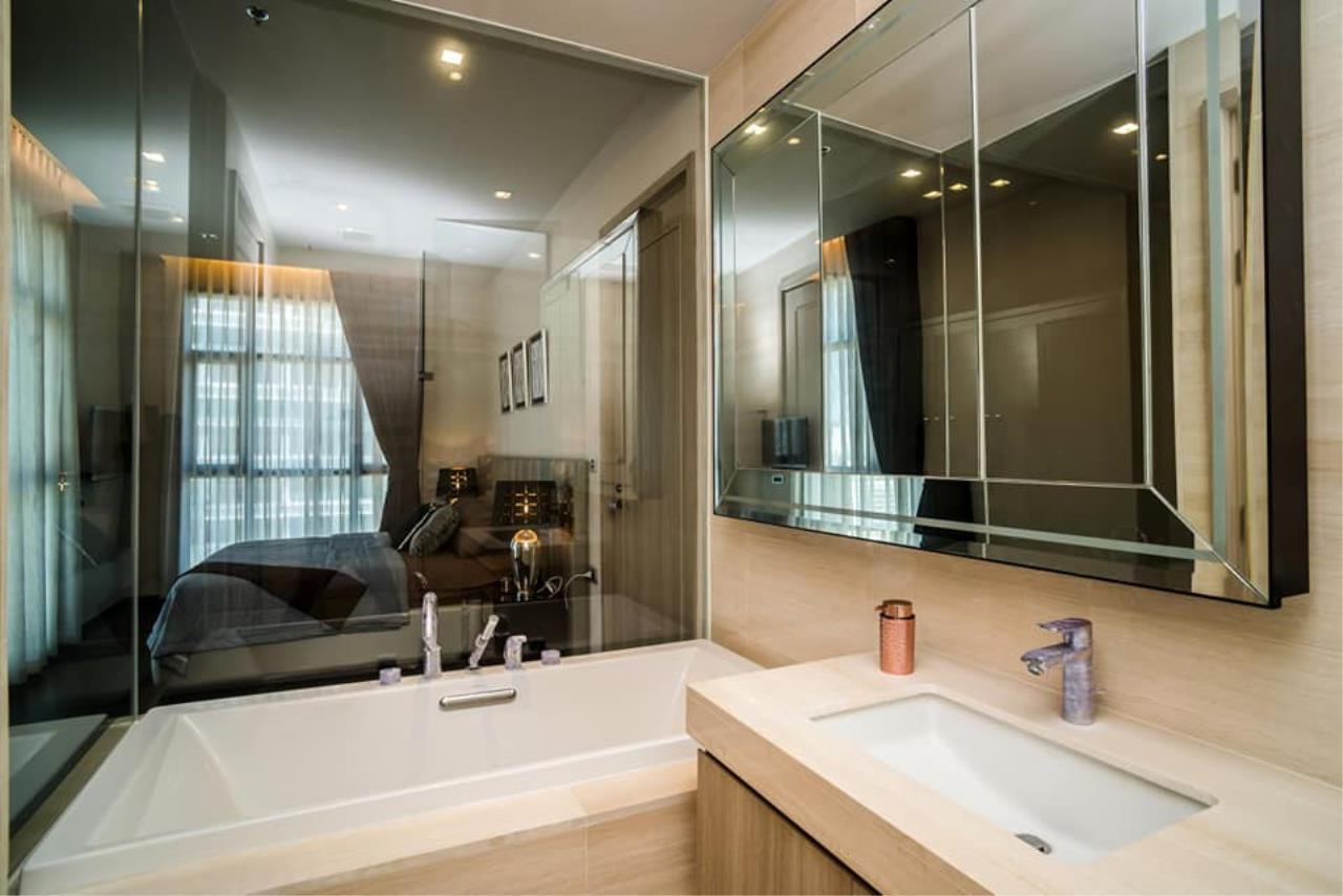 Agent Thawanrat Agency's Condo for rental THE XXXIX SUKHUMVIT 39 Near BTS.Phrom Phong. 1 bedroom,1 bathroom. size 55 sqm.Floor 19 th. fully furnished Ready to move in 4