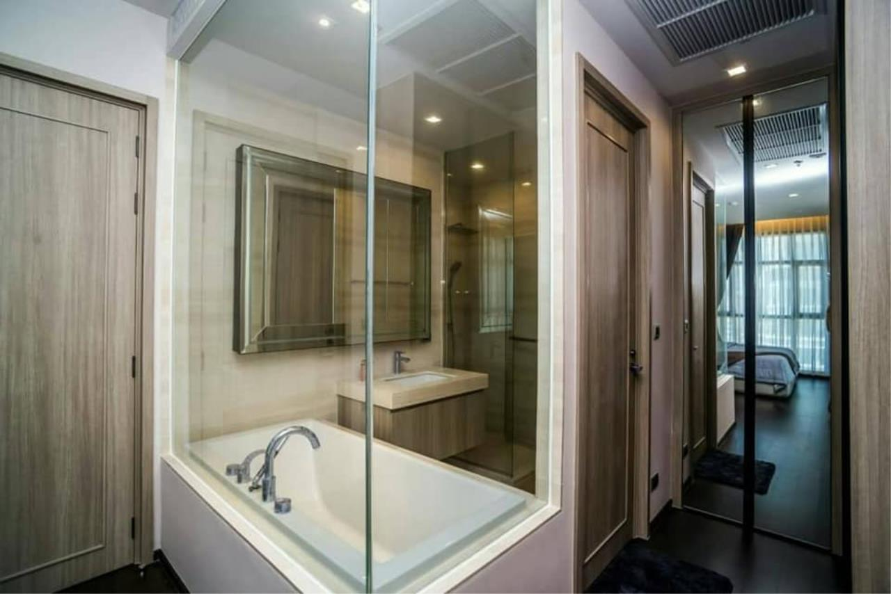 Agent Thawanrat Agency's Condo for rental THE XXXIX SUKHUMVIT 39 Near BTS.Phrom Phong. 1 bedroom,1 bathroom. size 55 sqm.Floor 19 th. fully furnished Ready to move in 9