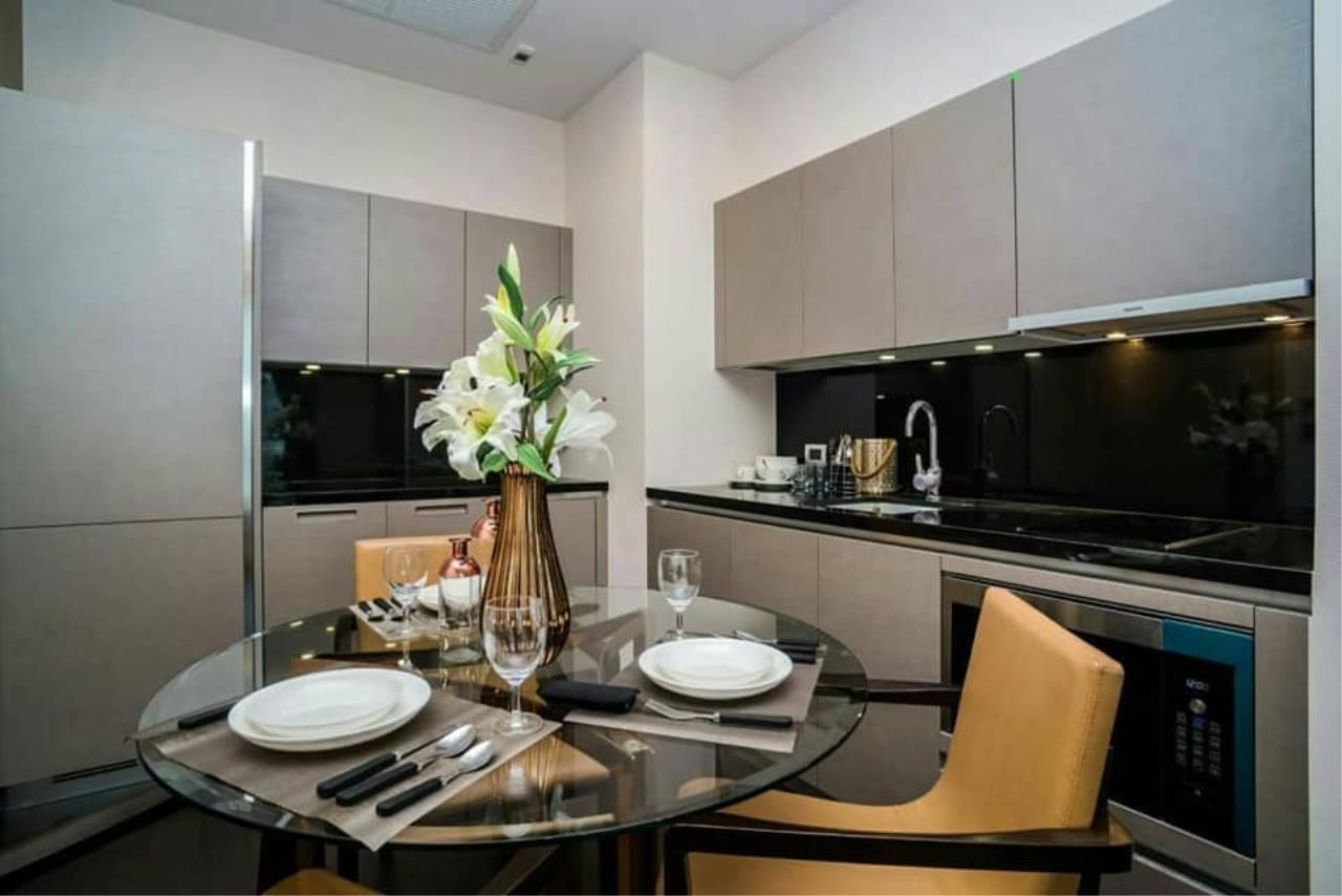 Agent Thawanrat Agency's Condo for rental THE XXXIX SUKHUMVIT 39 Near BTS.Phrom Phong. 1 bedroom,1 bathroom. size 55 sqm.Floor 19 th. fully furnished Ready to move in 8