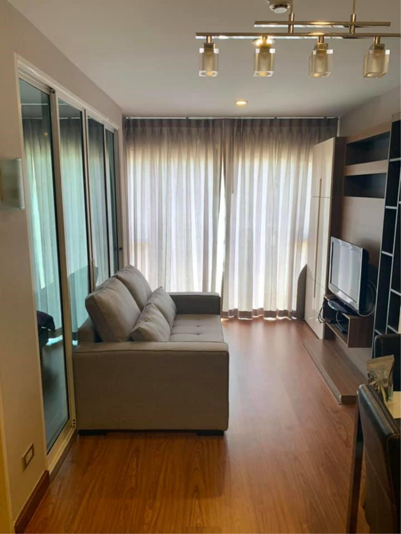Agent Thawanrat Agency's Condo for rental TOURMALINE GOLD SATHORN – TAKSIN Near BTS.Krung Thon Buri. 1 bedroom,1 bathroom. size 40 sqm.Floor 10 th. fully furnished Ready to move in 12