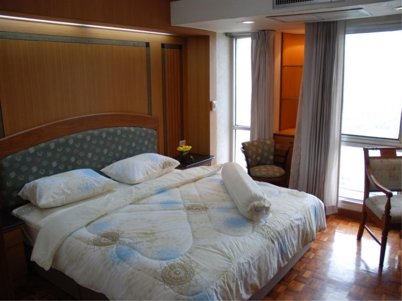 Siam Prop Agency's Shukhumvit Suits Condo for Rent / 1 Bed 1 Bath Shukhumvit Soi 13 / Good deal 19,900/month 2