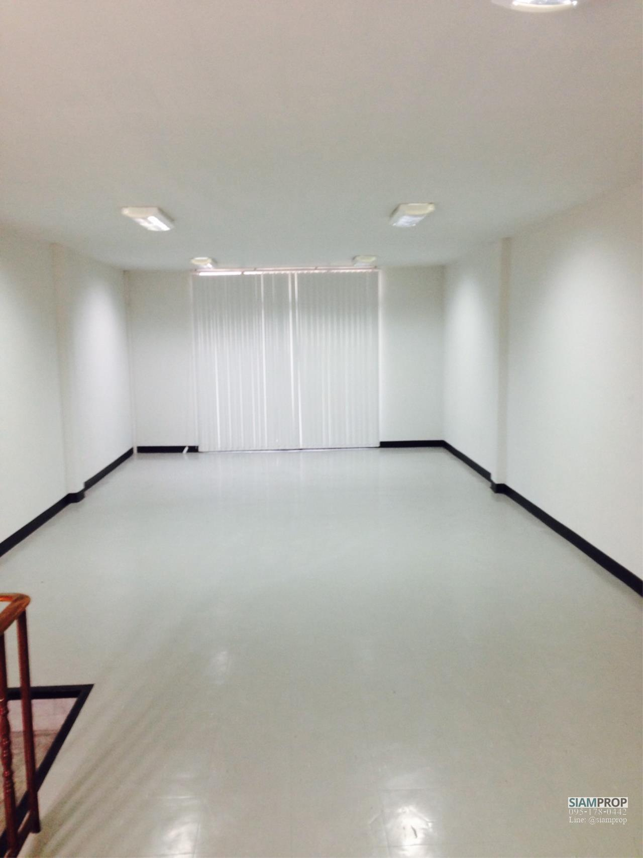 Siam Prop Agency's Home Office For Rent/Sale at Thonburi Complex, Rama 2 Rd. (Rent 20,000/Sale 6.5M) 6