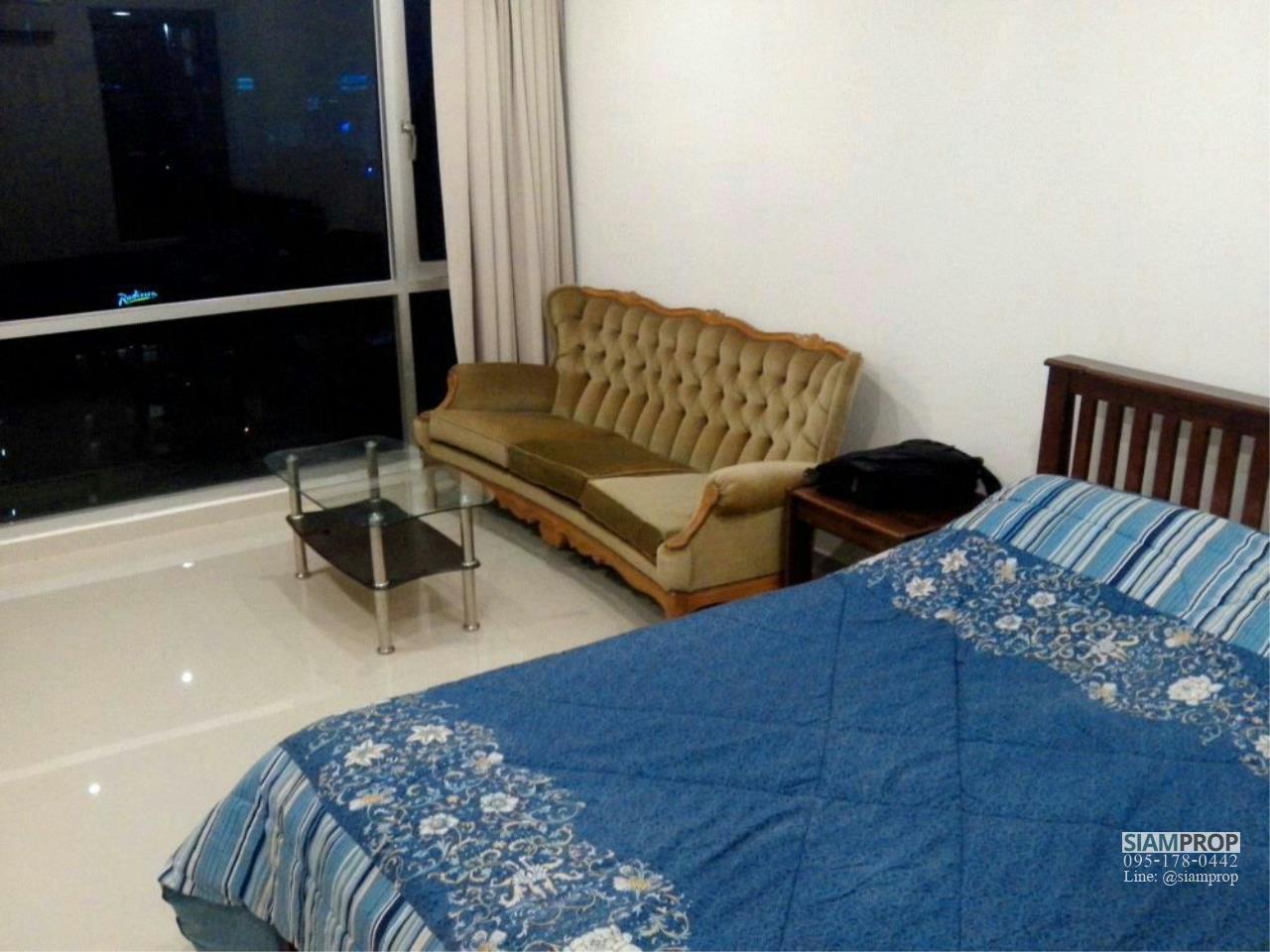 Siam Prop Agency's Sukhumvit Suites Condo, Studio for rent 15,000 Baht Near BTS Nana 4