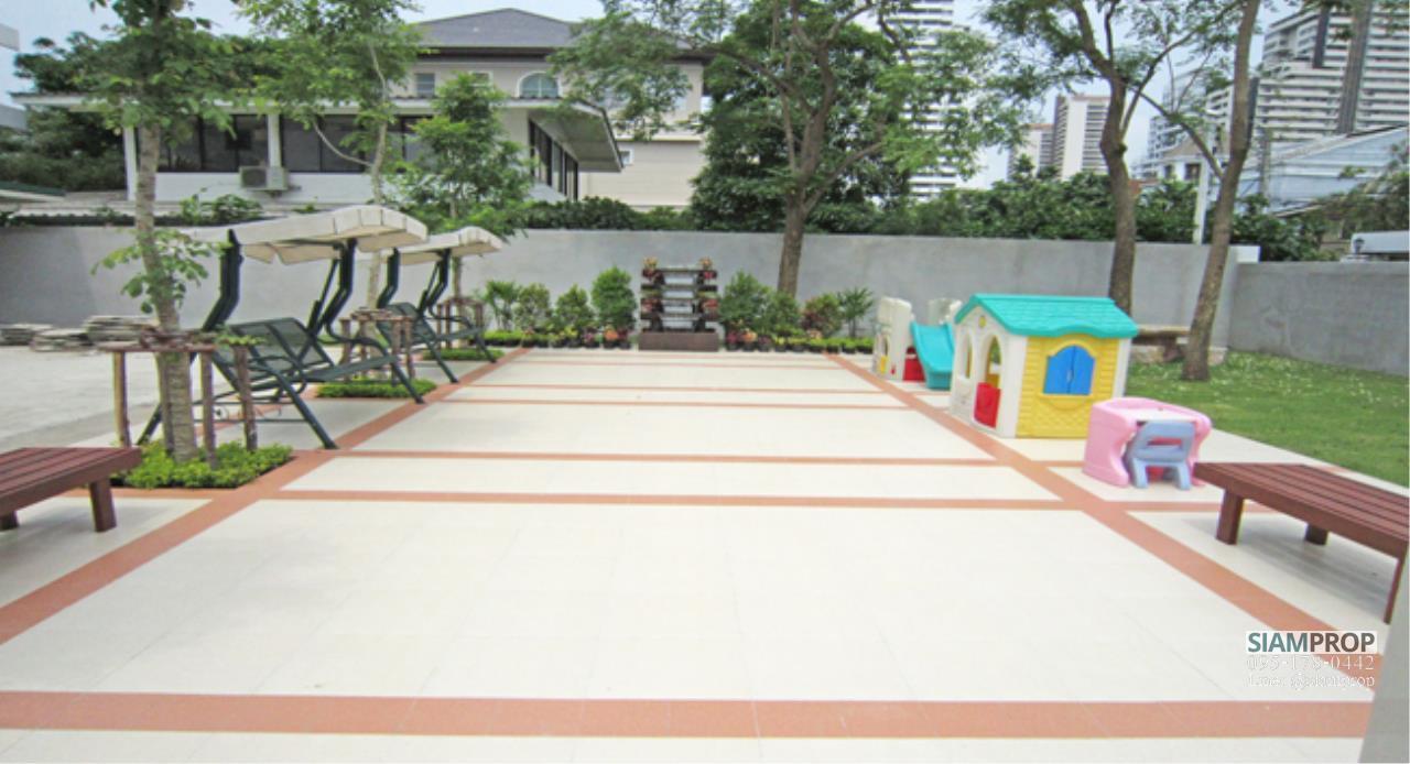 Siam Prop Agency's 2 Beds 120 sqm apartment at Ekamai 12, rent 50,000 Baht  9