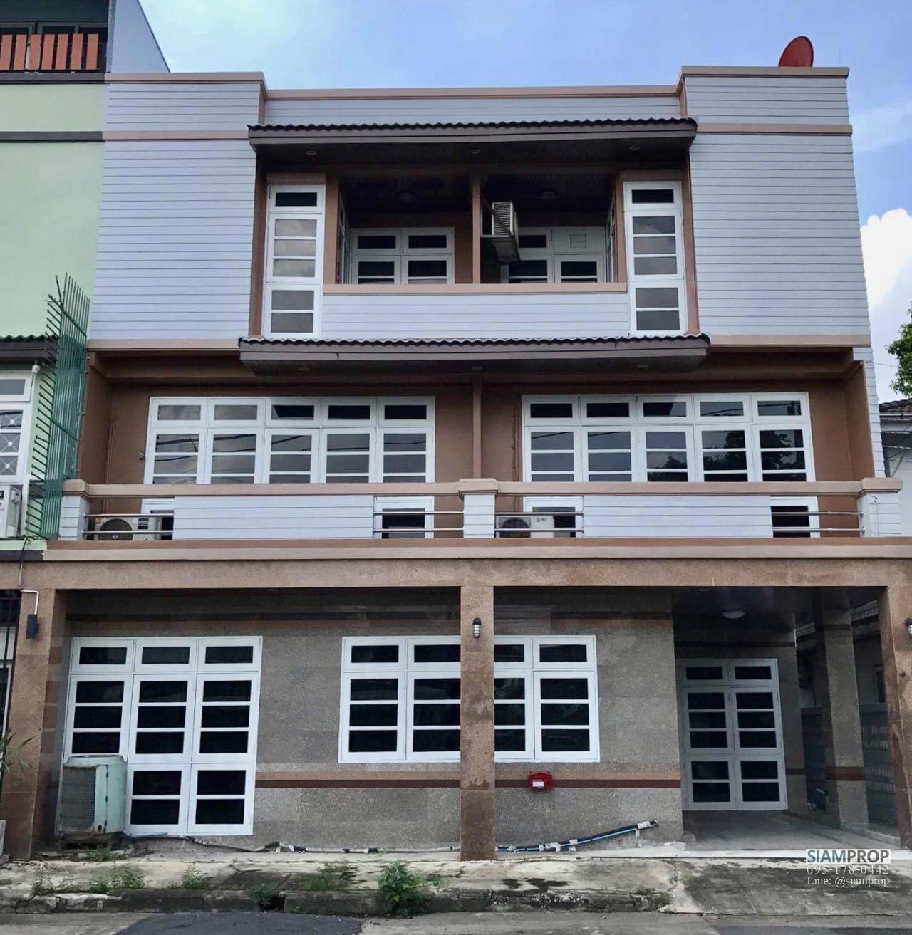 Siam Prop Agency's Home Office for Rent, Townhouse in Napalai Housing near BTS bangna, International school, Bitec bangna. 1
