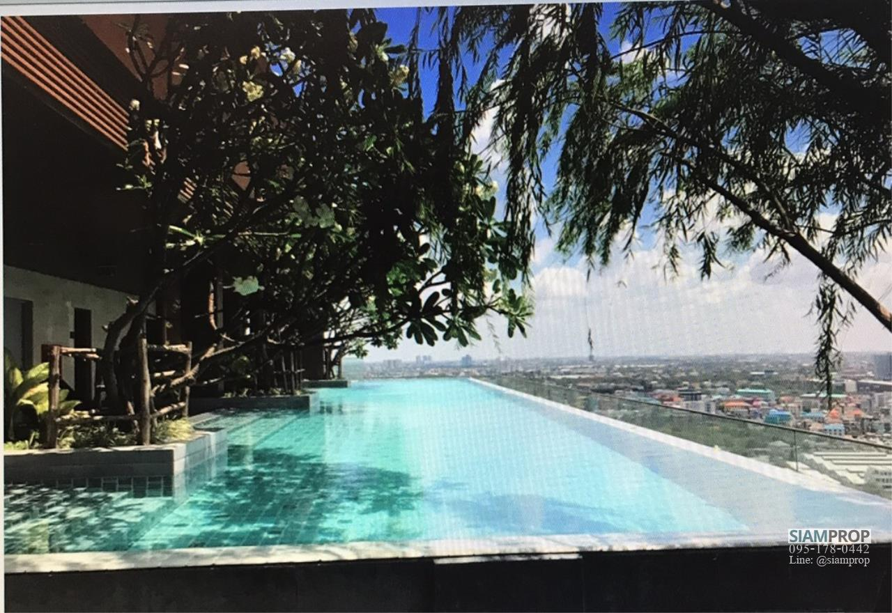 Siam Prop Agency's The Lofts Ekamai, Studio  for rent very close to BTS 7